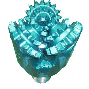 """5""""7/8 New MILL TOOTH TRICONE BIT Thread: 3""""1/2 API REG with open bearing Fluid Circulation: Center Hole IADC code:211"""