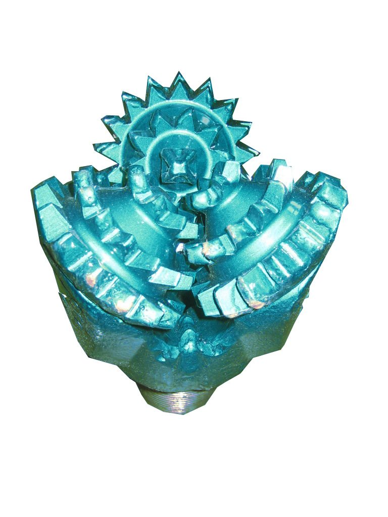 "6"" New MILL TOOTH TRICONE BIT Thread: 3""1/2 API REG with open bearing Fluid Circulation: Center Hole IADC code: 211"