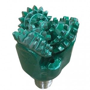 """6""""1/2 New MILL TOOTH TRICONE Thread: 3""""1/2 API REG with open bearing Fluid Circulation JET IADC code: 211"""