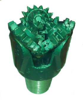 "7""5/8 New MILL TOOTH TRICONE BIT Thread: 4""1/2 API REG with open bearing Fluid Circulation: Center Hole"