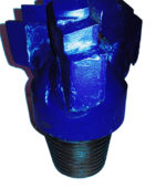 "5""7/8 Step-type DRAG BIT Thread: 3""1/2 API REG indicated for very soft formations"