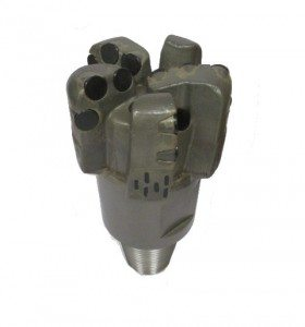 """4""""3/4 PDC Drill Bit with 5 Blades Thread : 2""""7/8 API REG PIN Cutters Size : 16mm Number of cutters: 15"""