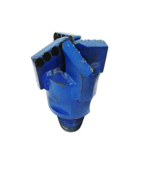"4""3/4 PDC DRILL BIT with 4 blades Thread : 2""7/8 API REG Cutters Size : 13mm Number of cutters : 16"
